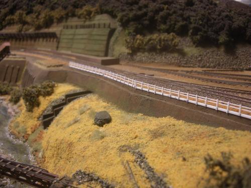 鉄道模型 保津峡 ローカル線 鉄柵1