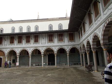 1171 - 中庭