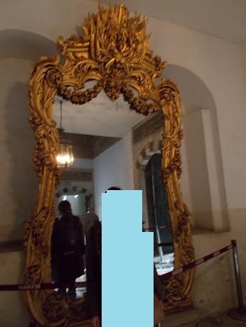 1201 -出口の鏡