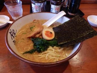 10/27 昼食 とんこつ醤油ラーメン   横濱家