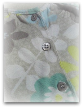 Angel Dear(エンジェルディア)フロントフリル花柄ワンピース 後ろ