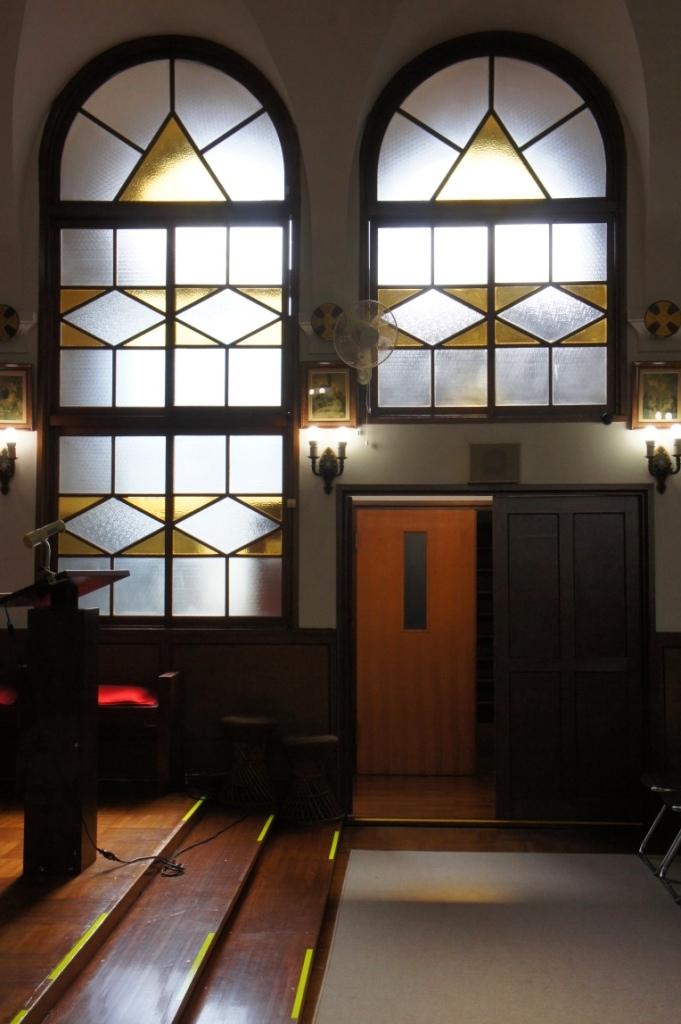 喜多見教会② お御堂窓⑤