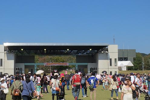 2014 9 28 関市合併クマモン1