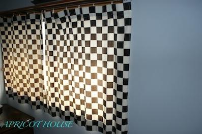 130608チェックカーテン