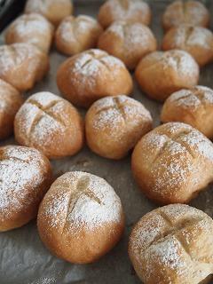 久しぶりのパンはイマイチ。