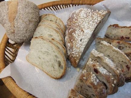 カントリーブレッド&黒ビールのパン