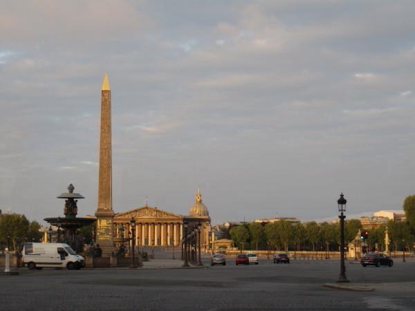 早朝のヴァンドーム広場