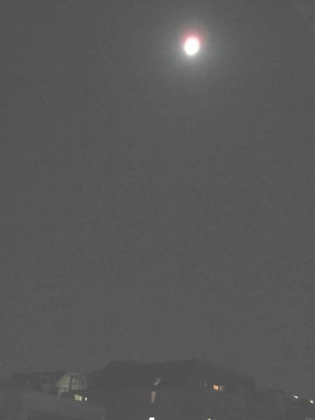 ビルの上の仲秋の名月