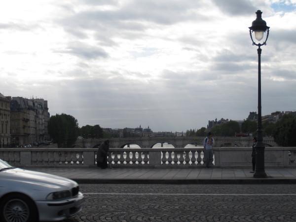 セーヌに架かる橋から