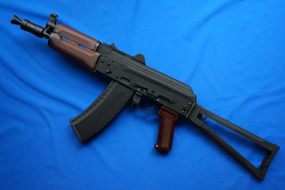AK74U−1