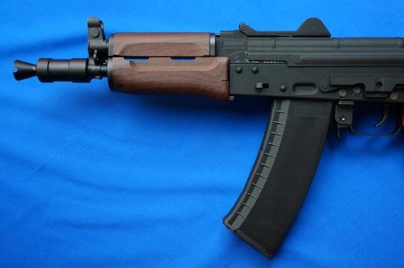 AK74U−2