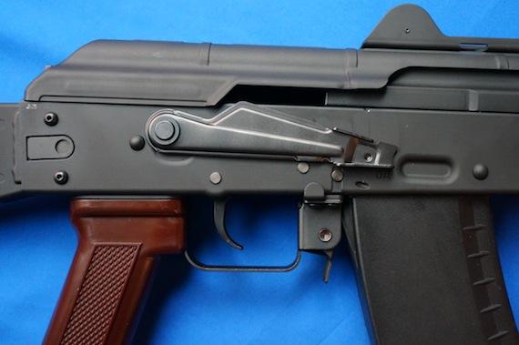 AK74U−4