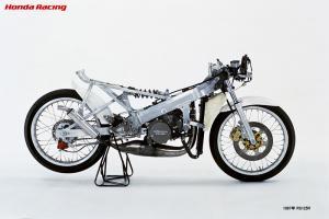 1987年 RS125R ストリップ