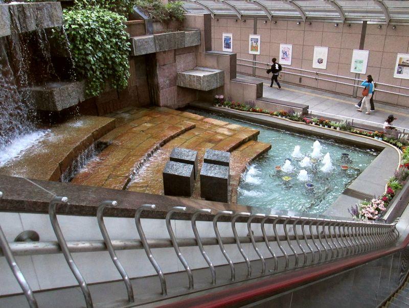 2013_5_4 浜松駅 吹き抜け 1b