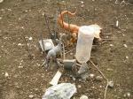 子供達が30分かけて作ったお墓(亡くなった虫たちを守っているイメージなの?by父