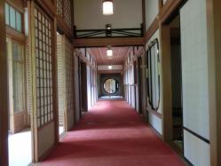田母沢御用邸・謁見所横の廊下