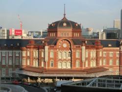 珈琲茶房 椿屋 丸ビル店からの東京駅赤レンガ駅舎