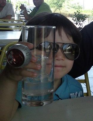 水で乾杯!