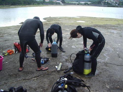 沖縄那覇市港で楽しむ初心者シニア向けウミウシ観察ツアーダイビング体験
