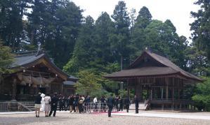 熊野大社_本殿と舞殿