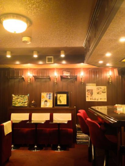 otafukucoffee_interior.jpg
