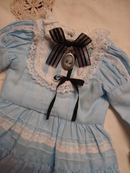 アリス 胸飾り 2