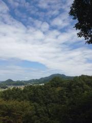 大阪からの二上山の眺め