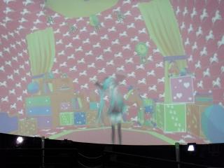 20131023_MMDドーム投影実験会:ドーム対応動画投影1