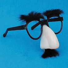 220px-Groucho_glasses[1]