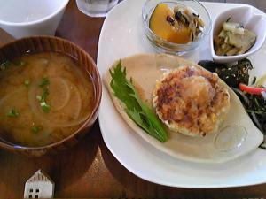 「花の花ランチ メインプレートとお味噌汁」花の花(福岡市)