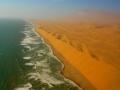 ナミブ砂漠の遊覧飛行