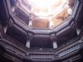 王妃の階段井戸(アダーラジ)