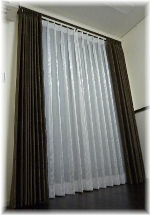 リビングのカーテン1