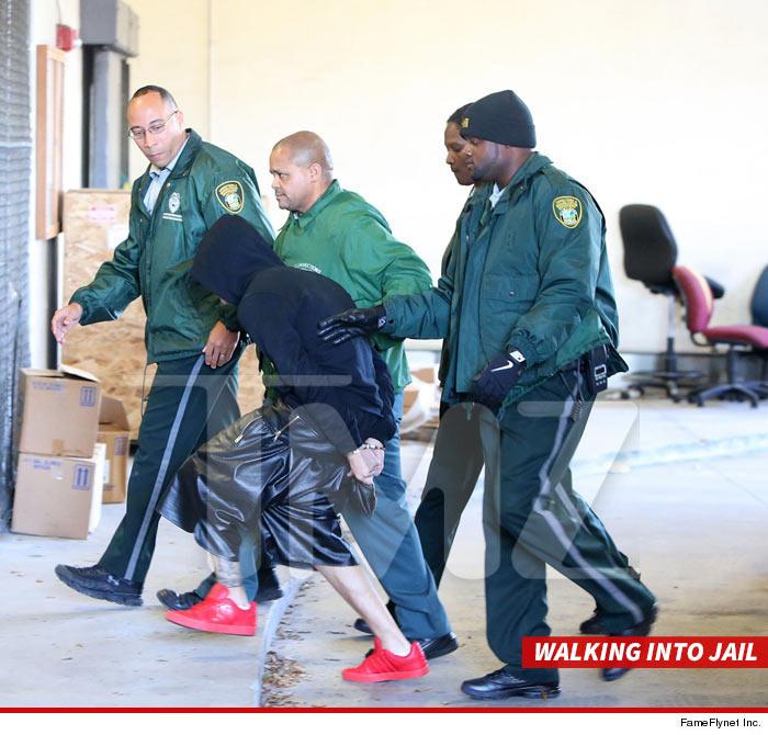 0123-bieber-arrested-5.jpg