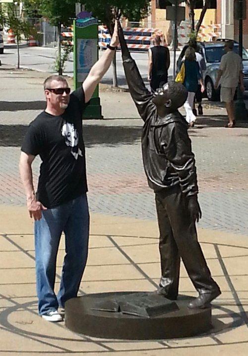 funny-statues-2.jpg