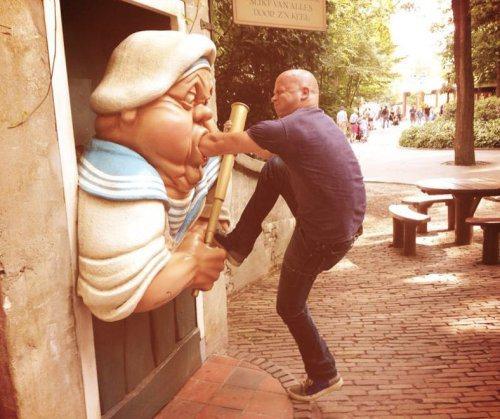 funny-statues-23.jpg