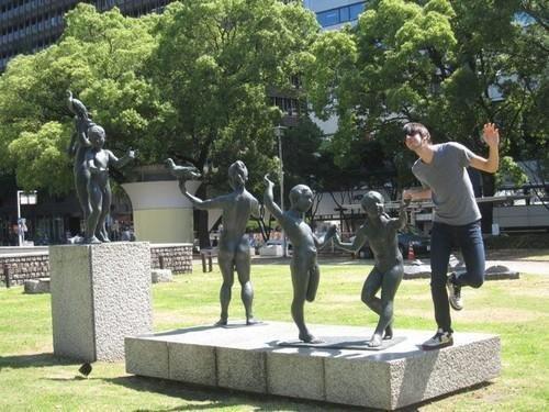 funny-statues-27.jpg