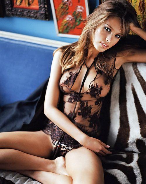 lingerie-makes-me-happy-19.jpg
