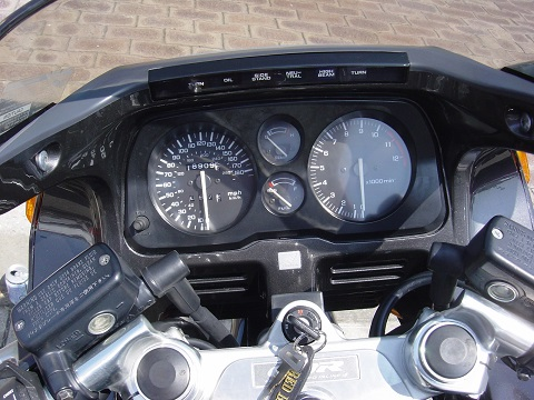 CBR1000メーター