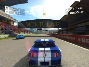 ipad2_realracing2hd_03.jpg