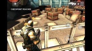 iphone5_shadowgun_02.jpg