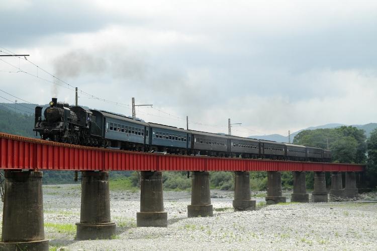 Fuji371&Metro1000 022 (750x500)