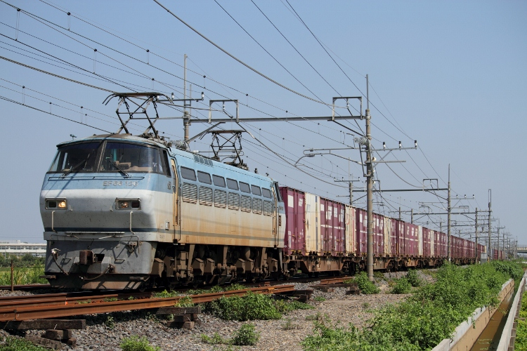 EF65-501 012 (750x500)