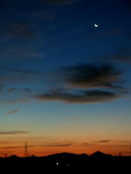 残月の夜明け