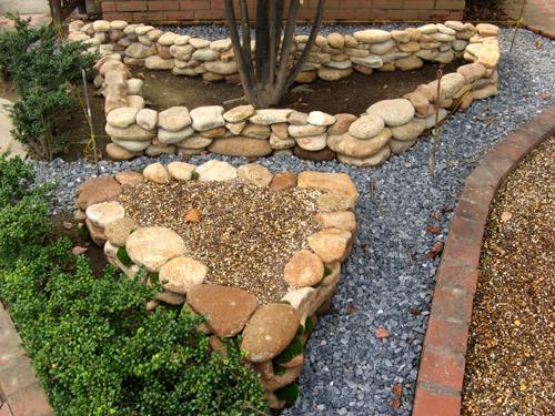 石積み花壇完成-1