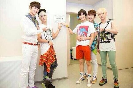 SHINee anation backstage