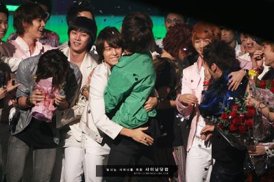 SHINee+crying3_convert_20130530225938.jpg