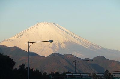 東名高速から富士山