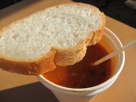 八戸港でブイヤベーススープの朝食