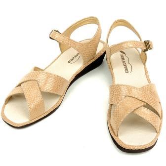 靴 ベージュ